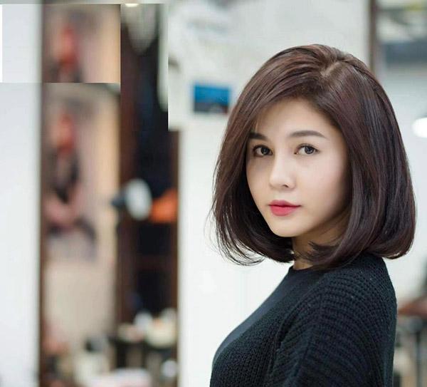 BST 10 kiểu tóc ngắn uốn xoăn cụp đẹp 2021 phù hợp với mọi khuôn mặt