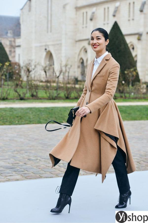 15 kiểu áo khoác nữ màu camel đẹp thu đông 2021 - 2022 cho nàng dạo phố phần 11
