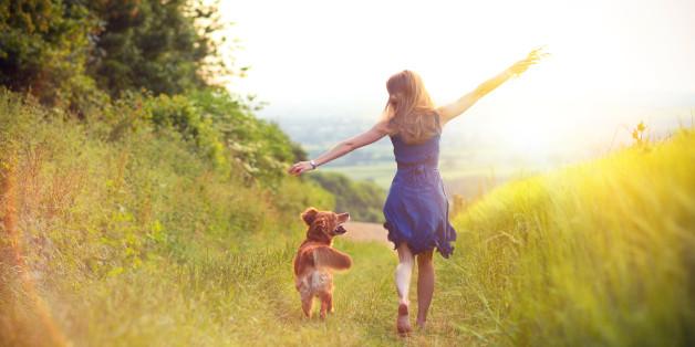 Top 50 câu danh ngôn hay nói về sự yêu đời lạc quan bằng tiếng anh
