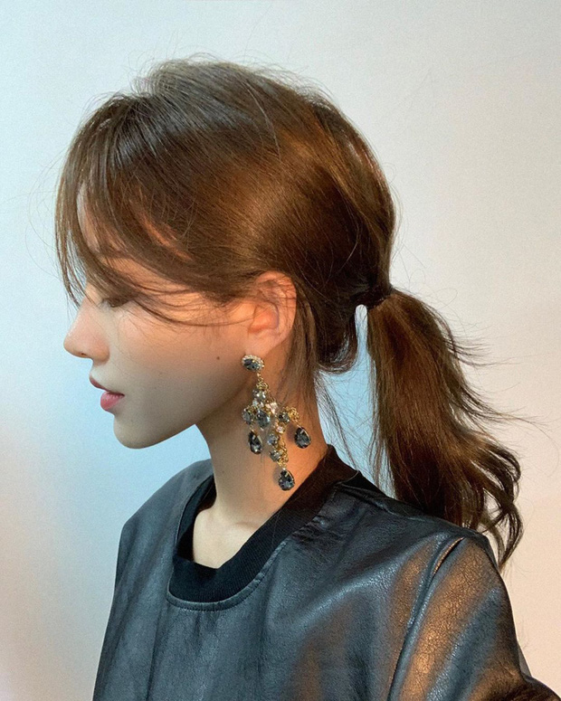 9 kiểu tóc nữ đẹp kết hợp với phụ kiện biến hóa phong cách hoàn toàn mới