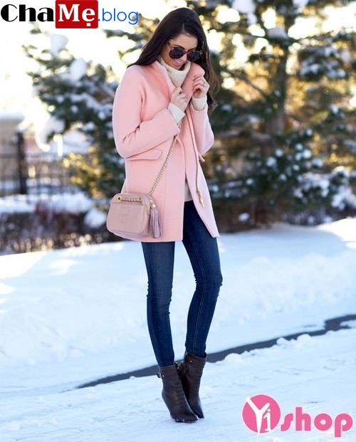 Ăn gian tuổi hiệu quả nhờ mặc áo khoác nữ màu hồng đẹp thu đông 2021 - 2022