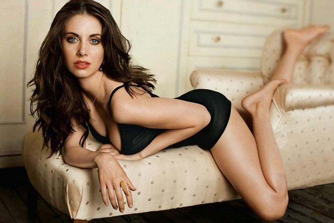 phụ nữ có xu hướng ăn mặc sexy hơn