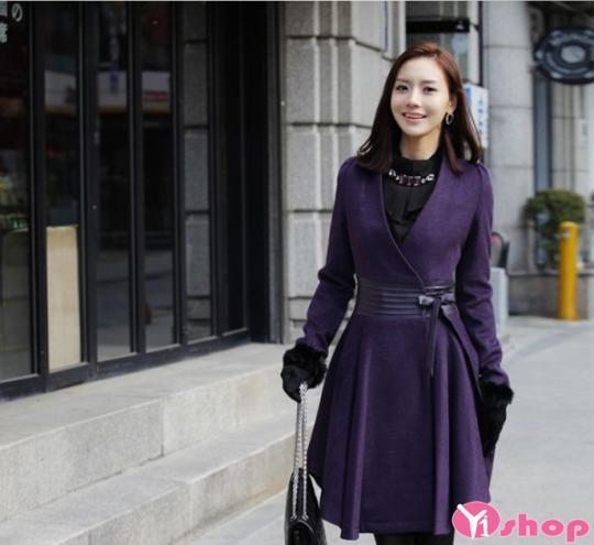 Áo khoác dạ nữ dáng suông đẹp gam màu tím lãng mạn thu đông 2021 - 2022