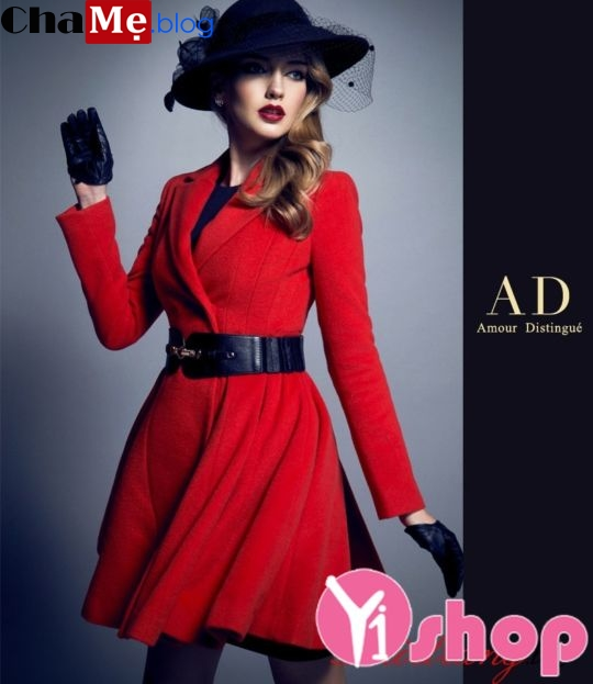 Áo khoác dạ nữ măng tô đỏ xòe đẹp cho nàng cao gầy đông 2021 - 2022