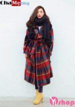 Áo khoác dạ nữ sọc kẻ caro đẹp Hàn Quốc ấm áp đầu đông 2021 – 2022