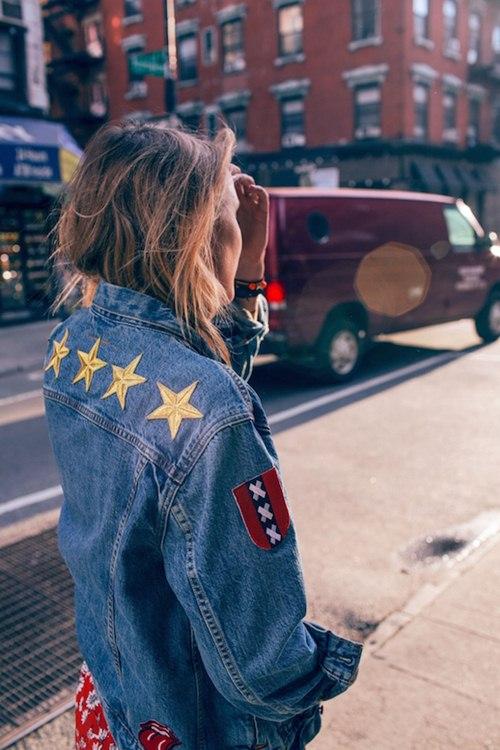 Áo khoác jean nữ đẹp thu đông 2021 - 2022 cho nàng cá tính dạo phố phần 6