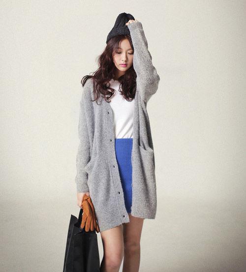 Áo khoác len nữ dáng dài đẹp cho nàng mũm mĩm xuống phố thu đông 2021 - 2022