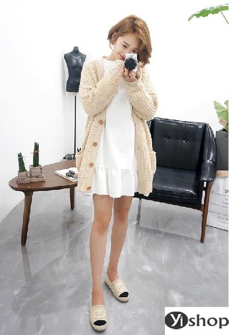 Áo khoác len nữ đẹp - trang phục đặc trưng không thể thiếu ngày đông 2021 - 2022 phần 15
