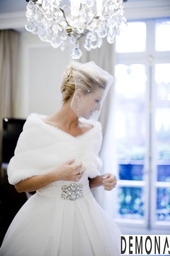 Áo khoác lông nữ đẹp cho cô dâu quyến rũ ấm áp thu đông 2019 – 2021 phần 7