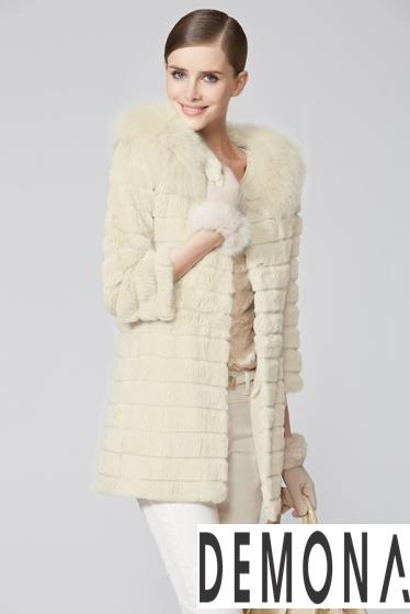 Áo khoác lông nữ kẻ sọc đẹp thu đông 2021– 2021 ấm áp dạo phố phần 8