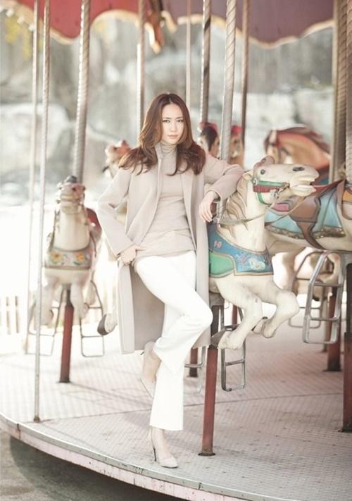 Áo khoác nữ dáng dài đẹp cho nàng công sở ấm áp ngày lạnh phần 5