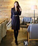 Áo khoác nữ dáng dài đẹp phong cách Hàn Quốc mới nhất thu đông 2021 – 2022