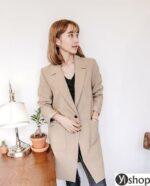 Áo khoác nữ đẹp kiểu Hàn Quốc phù hợp mọi vóc dáng thu đông 2021 – 2022