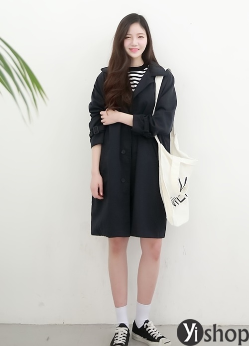 Áo khoác nữ màu đen đẹp nên có trong tủ đồ mùa đông 2021 - 2022 phần 10