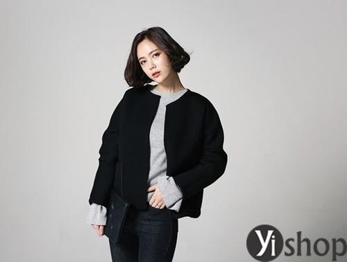 Áo khoác nữ màu đen đẹp nên có trong tủ đồ mùa đông 2021 - 2022 phần 4