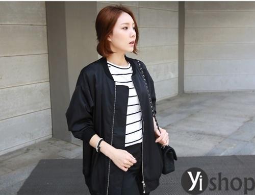 Áo khoác nữ màu đen đẹp nên có trong tủ đồ mùa đông 2021 - 2022 phần 8