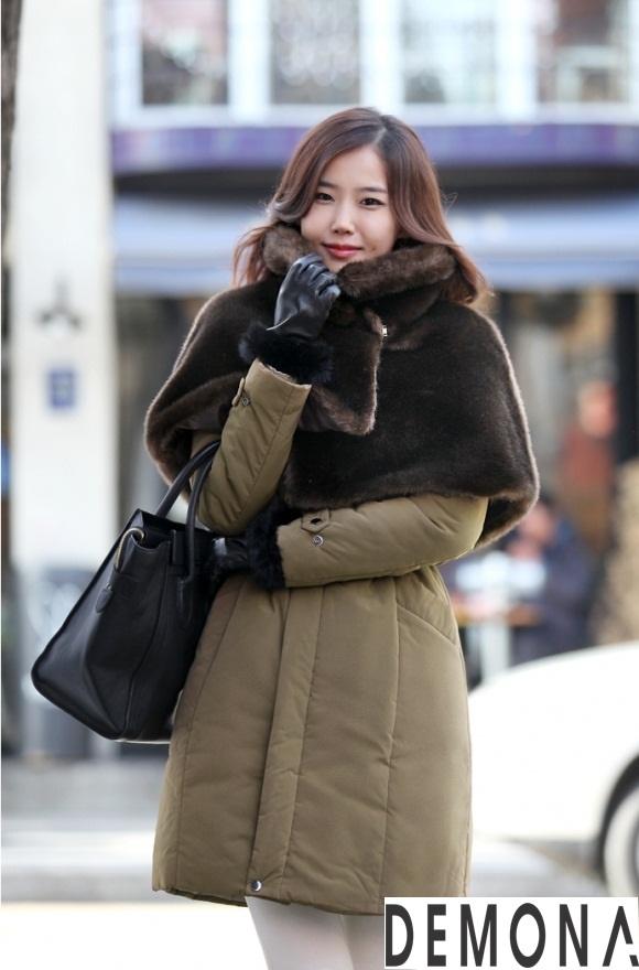 Áo khoác phao cổ lông nữ dáng dài đẹp xu hướng thu đông 2021 – 2022 phần 10