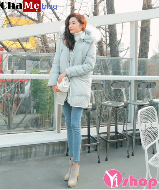Áo khoác phao nữ cổ lông đẹp ấm áp mùa lạnh đông 2021 - 2022