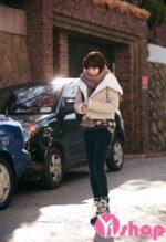 Áo khoác phao nữ dáng lửng đẹp phong cách Hàn Quốc thu đông 2021 – 2022