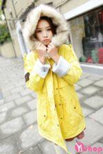 Áo khoác phao nữ viền lông đẹp thu đông 2021 – 2022 ấm áp dễ thương