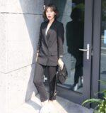 Áo khoác vest nữ đẹp là item không thể thiếu của cô nàng công sở mùa thu 2021 – 2022