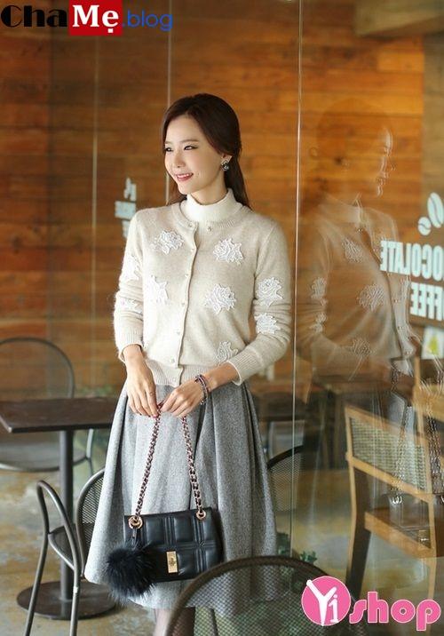 Áo len nữ cổ tròn đẹp cho nàng công sở nhẹ nhàng đông 2021 - 2022