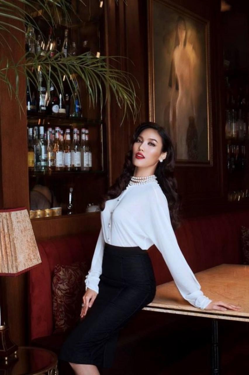 Áo sơ mi công sở nữ cao cấp: học lỏm cách diện áo sơ mi công sở nữ cao cấp của sao Việt