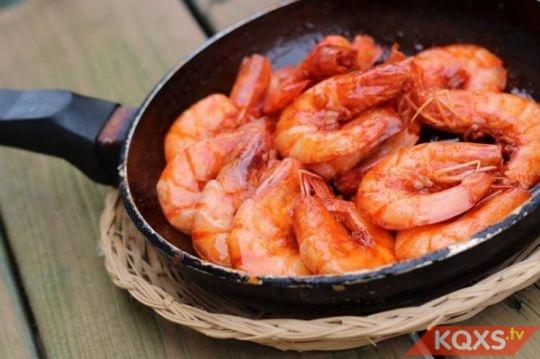 Bà bầu ăn tôm biển có lợi gì cho sức khỏe thai kỳ?