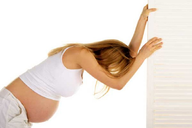 bà bầu cần tránh tập luyện quá sức khi mang thai