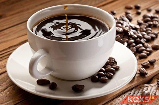 Bà bầu uống cà phê được không & có ảnh hưởng gì tới thai nhi?