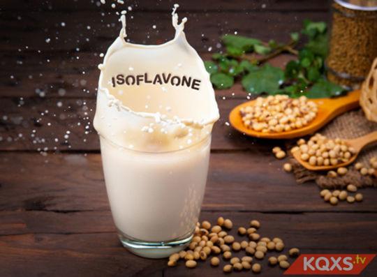 Bà bầu uống sữa đậu nành có tốt không & ảnh hưởng gì tới thai nhi?