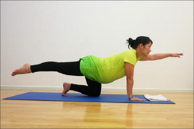 bài tập căng cơ cho bà bầu tập thể dục buổi sáng