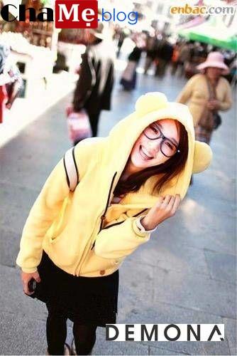 Bạn gái dễ thương với áo khoác nữ hình thú đẹp ấm áp thu đông 2021 - 2022