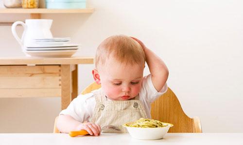 Bé 10 tháng tuổi biếng ăn phải làm sao?