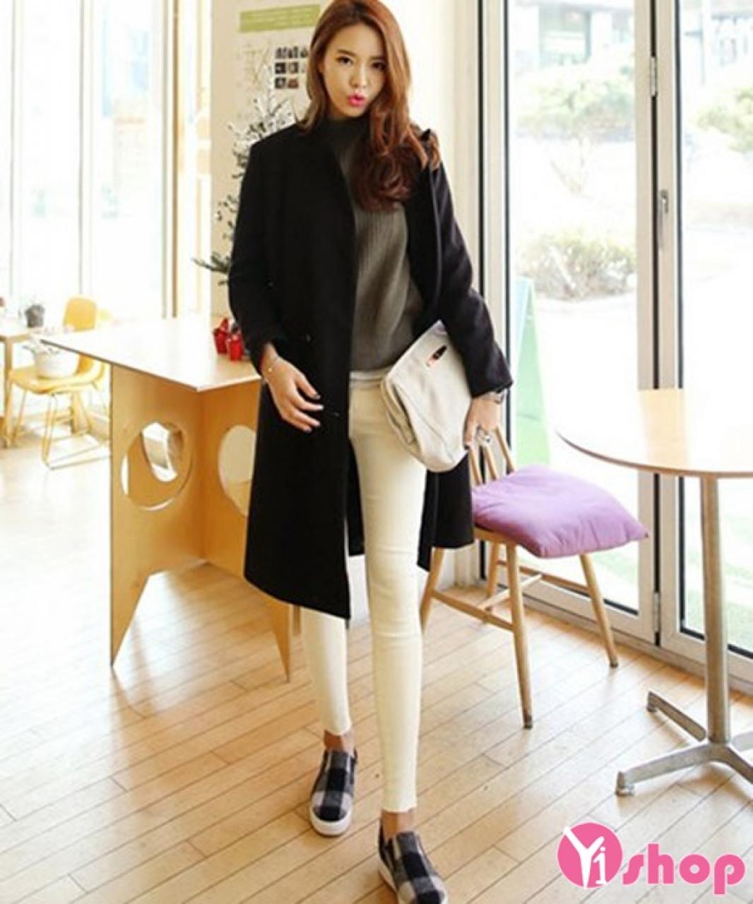 Bí quyết diện áo len nữ cổ lọ đẹp cho nàng công sở ấm áp thu đông 2021 - 2022