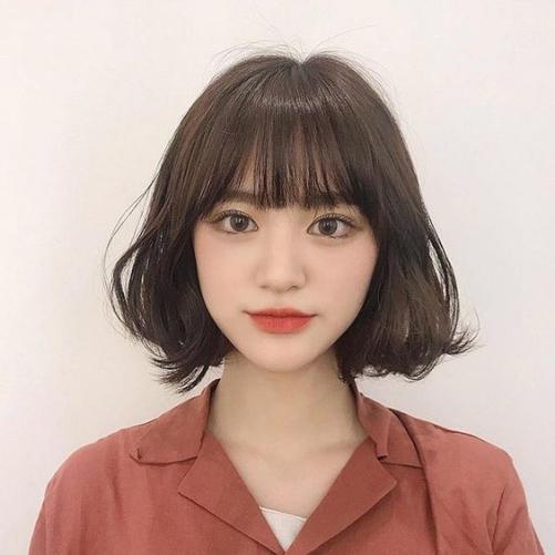 BST 20 kiểu tóc ngắn ngang vai cho khuôn mặt tròn đẹp hè 2021