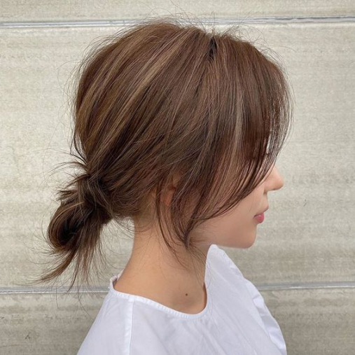 BST 39 kiểu tóc ngắn buộc đẹp hè 2021 phù hợp mọi khuôn mặt