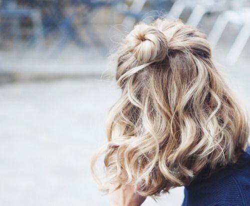 BST 50 kiểu tóc ngang vai xoăn sóng nước phù hợp với mọi khuôn mặt đẹp nhất hè 2021