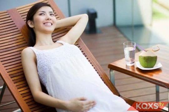 Các loại thực phẩm bà bầu nên kiêng ăn trong từng giai đoạn thai kỳ cần chú ý
