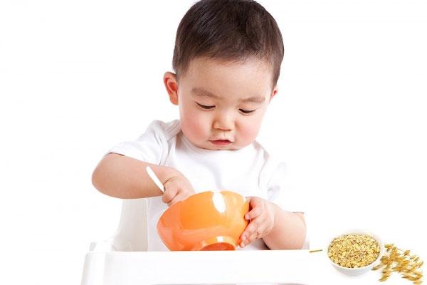 Cách nấu cháo ếch đậu xanh cho bé ăn dặm khi bé được 7 tháng tuổi