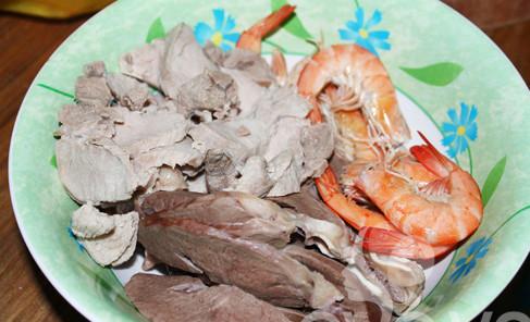Cách nấu hủ tiếu nam vang ngon nhất của người Cam chính hiệu