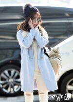 Cách sao Hàn kết hợp đồ ấm áp và thời thượng trong ngày gió đông
