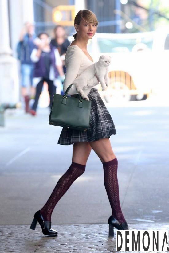Hè 2019 diện chân váy kẻ caro xòe đẹp để tự tin khoe vẻ năng động mọi nơi phần 7