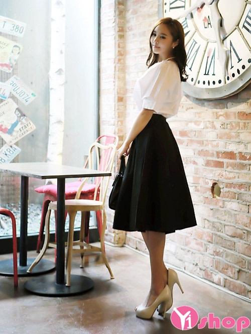 Chân váy midi xòe đẹp cho nàng công sở duyên dáng ngày hè 2021 - 2022