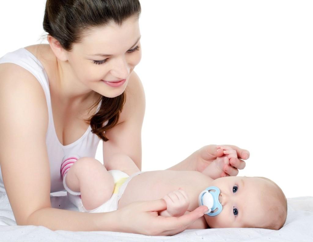 Có nên cho trẻ sơ sinh nằm phòng điều hòa không?