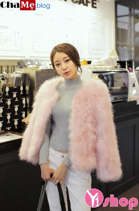 Diện áo khoác lông thú nữ dáng ngắn đẹp đông 2021 - 2022 không lo lỗi mốt