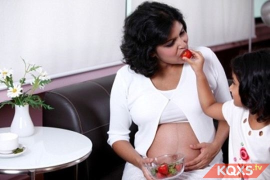 Dinh dưỡng khi mang thai nên ăn uống như thế nào tốt cho mẹ và bé?