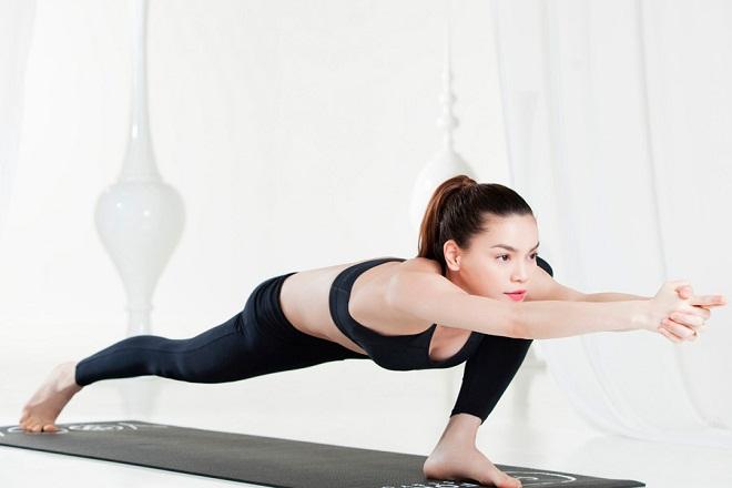 hồ ngọc hà tập yoga