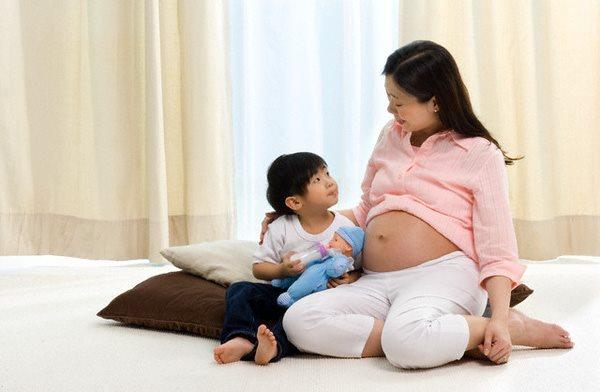 Những điều cần biết khi sinh con thứ 2 các cặp chồng cần biết