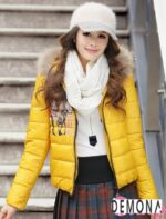 Kiểu áo khoác phao nữ có mũ Hàn Quốc đẹp đông 2021 – 2022 năng động ngày lạnh